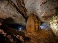 hoa huong cave