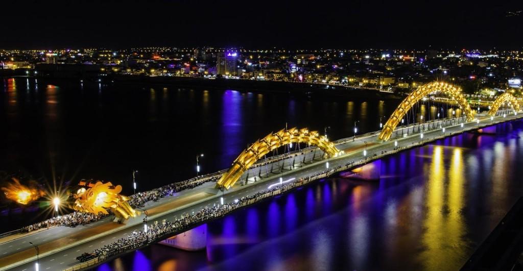 bridge in danang